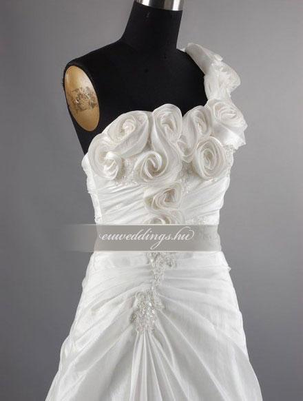2ae166676a Menyasszonyi ruha A vonalú pántos-AVP-433