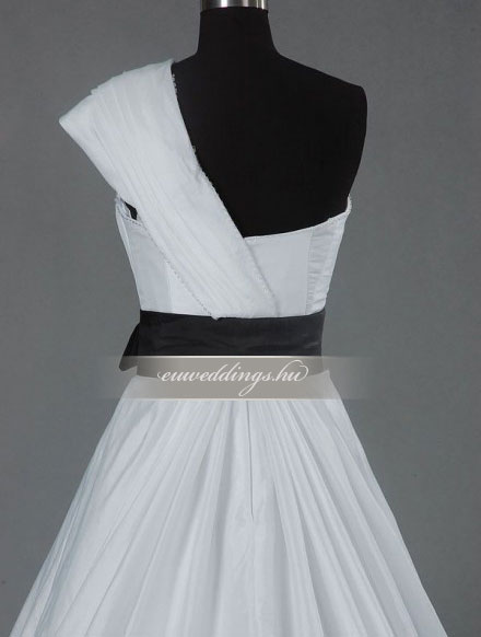 Menyasszonyi ruha A vonalú pántos-AVP-843