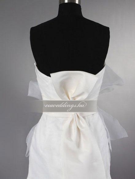 Menyasszonyi ruha A vonalú ujjatlan-AVU-2550