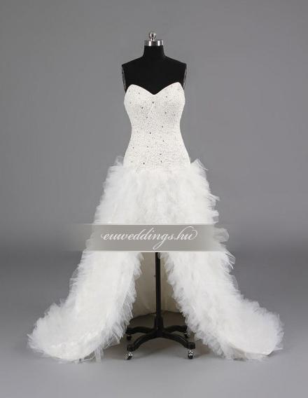 Aszimmetrikus menyasszonyi ruha