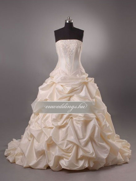 Menyasszonyi ruha báli fazonú színes és mintás-BFS-4646