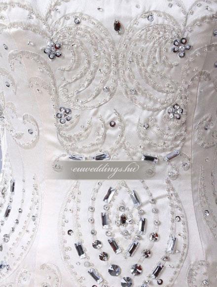 Menyasszonyi ruha báli fazonú színes és mintás-BFS-4676