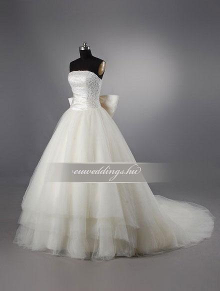 Esküvői ruha báli fazonú ujjatlan-BFU-4763