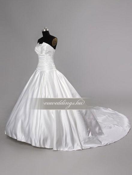 Esküvői ruha báli fazonú ujjatlan-BFU-4872