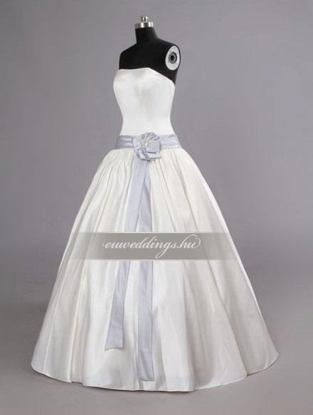 Esküvői ruha báli fazonú ujjatlan-BFU-4958