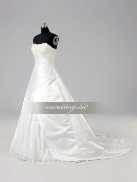 Esküvői ruha báli fazonú ujjatlan-BFU-5363