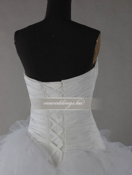 Esküvői ruha báli fazonú ujjatlan-BFU-5552