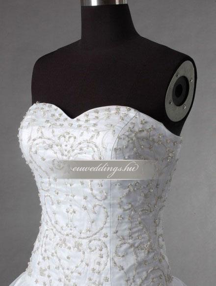 Esküvői ruha báli fazonú ujjatlan-BFU-5718