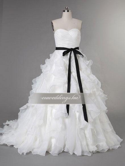 Esküvői ruha báli fazonú ujjatlan-BFU-5946