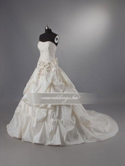 Esküvői ruha báli fazonú ujjatlan-BFU-6134