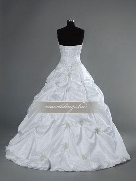 Esküvői ruha báli fazonú ujjatlan-BFU-6520
