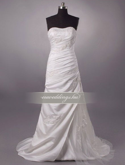 Esküvői ruha csípőtől bővülő ujjatlan-CBU-7688
