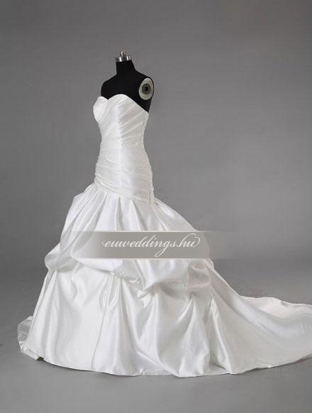 Esküvői ruha csípőtől bővülő ujjatlan-CBU-7742