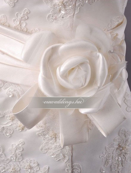 Esküvői ruha csípőtől bővülő ujjatlan-CBU-7781