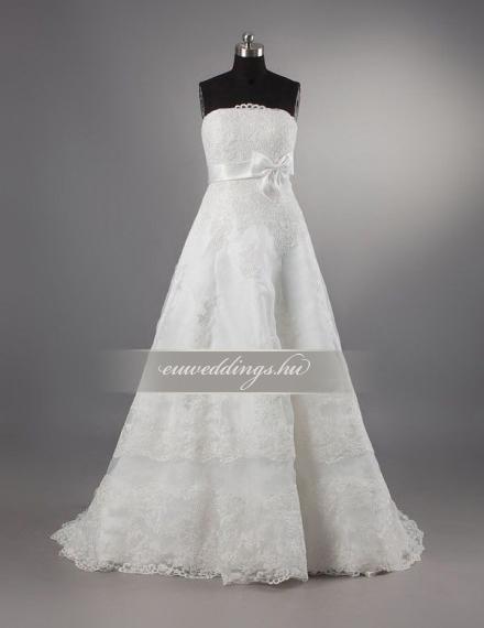 Empire fazonú menyasszonyi ruha