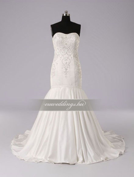 Menyasszonyi ruha sellő fazonú ujjatlan-SFU-10958