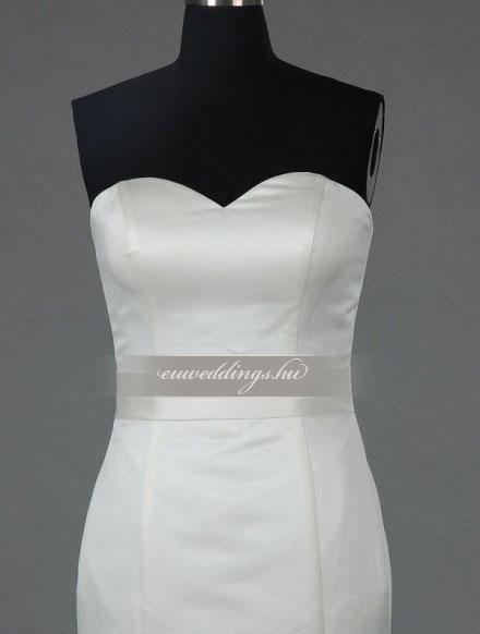 Menyasszonyi ruha sellő fazonú ujjatlan-SFU-11478