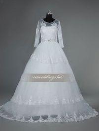 Báli fazonú, hosszú ujjú esküvői ruha