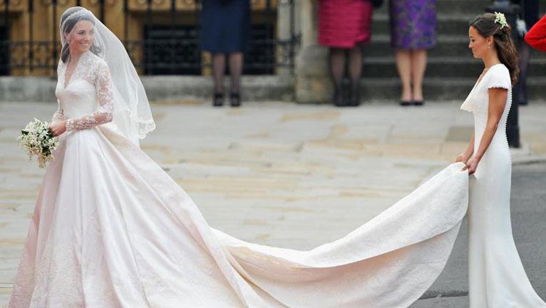 Kate Middleton menyasszonyi ruhája
